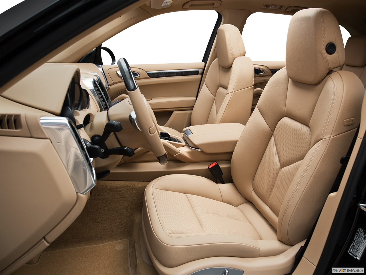 2011 Porsche Cayenne S Hybrid Base Front seats from Drivers Side.