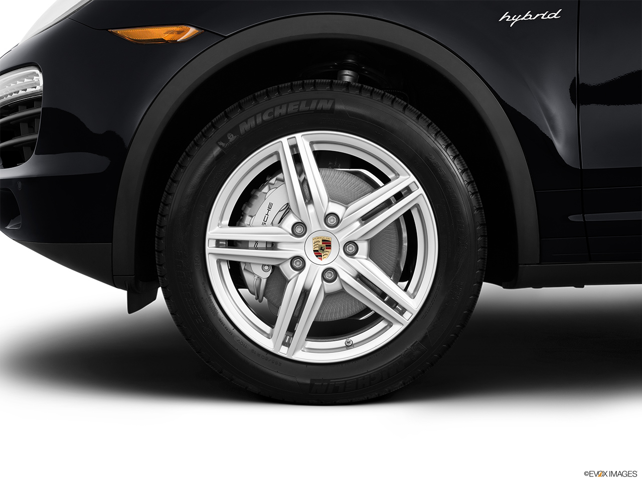 2012 Porsche Cayenne Hybrid Hybrid S Front Drivers side wheel at profile.