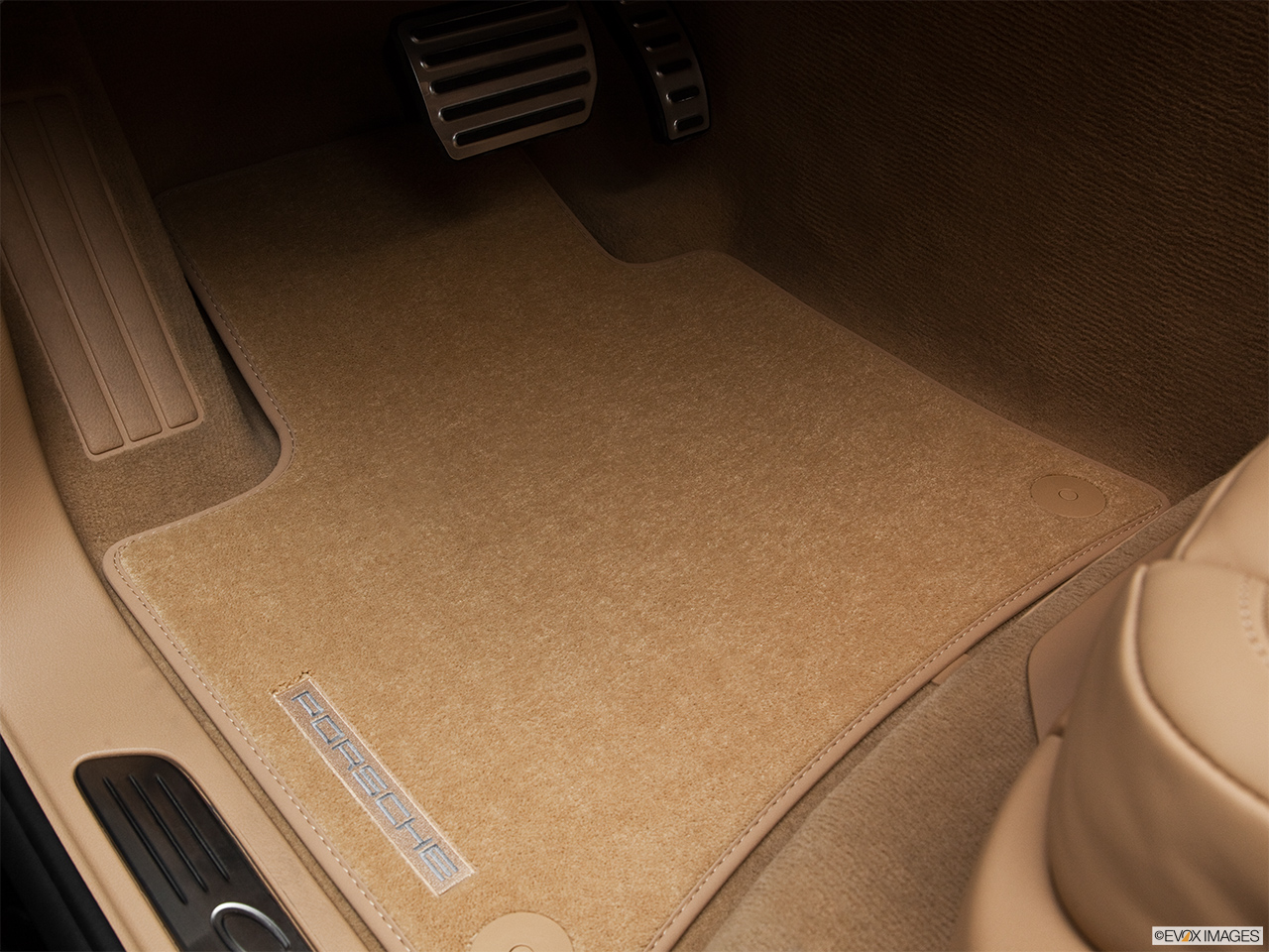 2012 Porsche Cayenne Hybrid Hybrid S Driver's floor mat and pedals. Mid-seat level from outside looking in.
