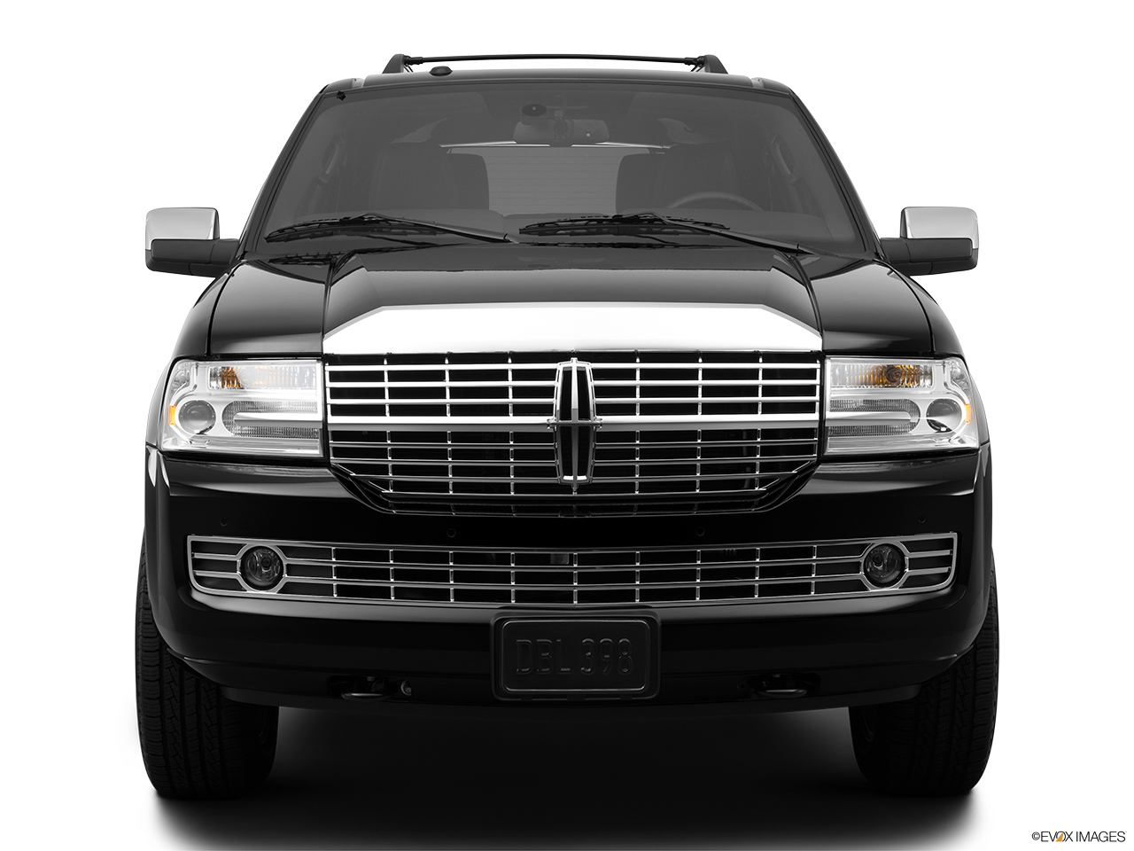 2012 Lincoln Navigator Base Low/wide front.