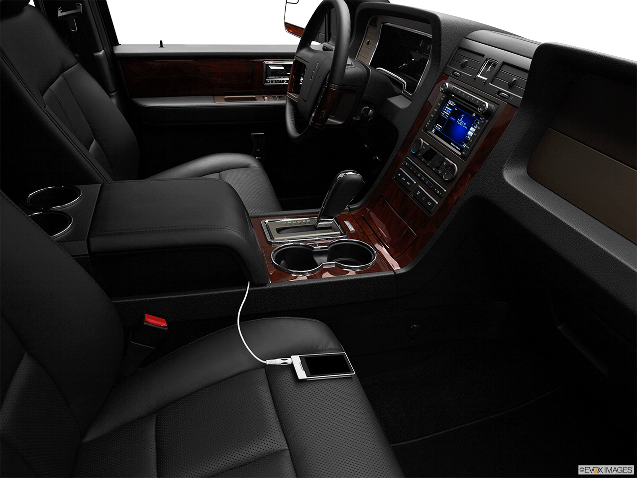 2012 Lincoln Navigator Base Zune and auxiliary jack