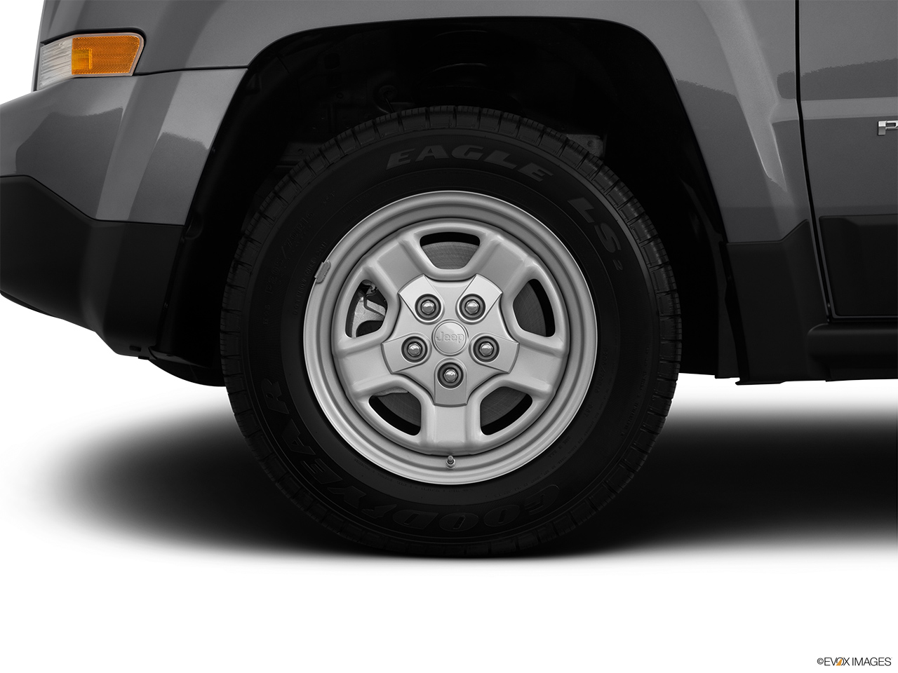 2012 Jeep Patriot Sport Front Drivers side wheel at profile.
