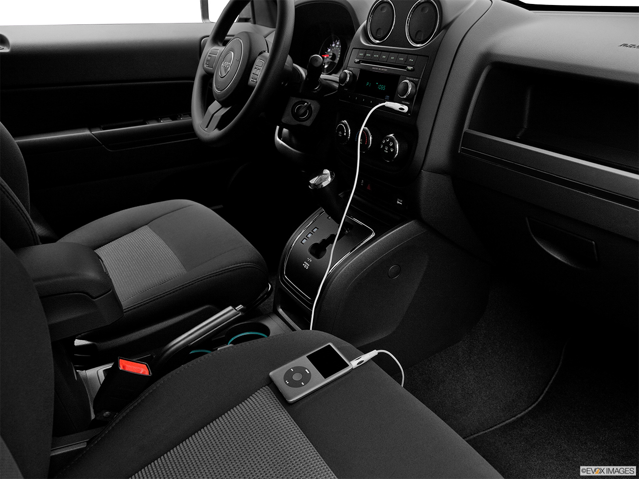2012 Jeep Patriot Sport Auxiliary jack props.
