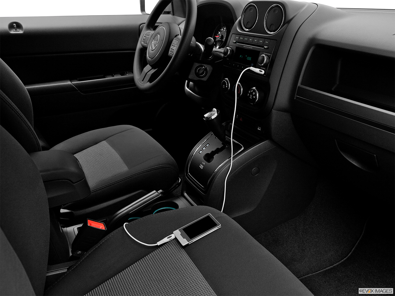 2012 Jeep Patriot Sport Zune and auxiliary jack