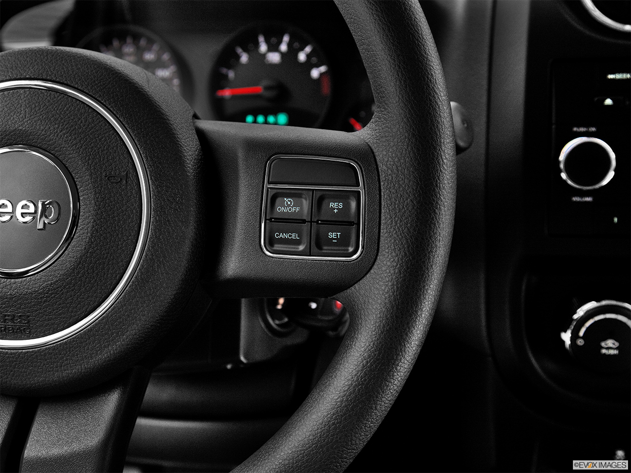2012 Jeep Patriot Sport Steering Wheel Controls (Right Side)