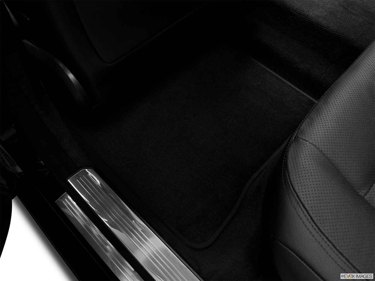 2012 Mercedes-Benz S-Class Hybrid S400 Rear driver's side floor mat. Mid-seat level from outside looking in.