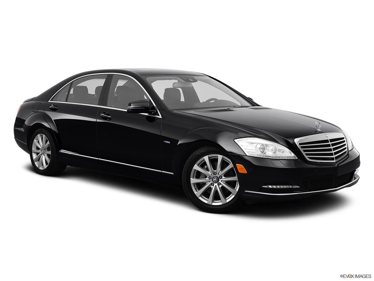 2012 Mercedes-Benz S-Class Hybrid S400 Front passenger 3/4 w/ wheels turned.