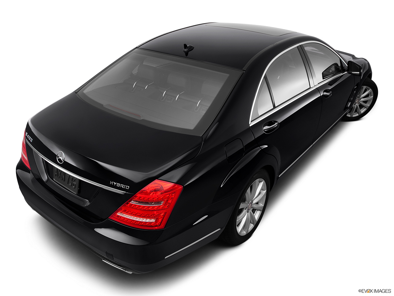 2012 Mercedes-Benz S-Class Hybrid S400 Rear 3/4 angle view.