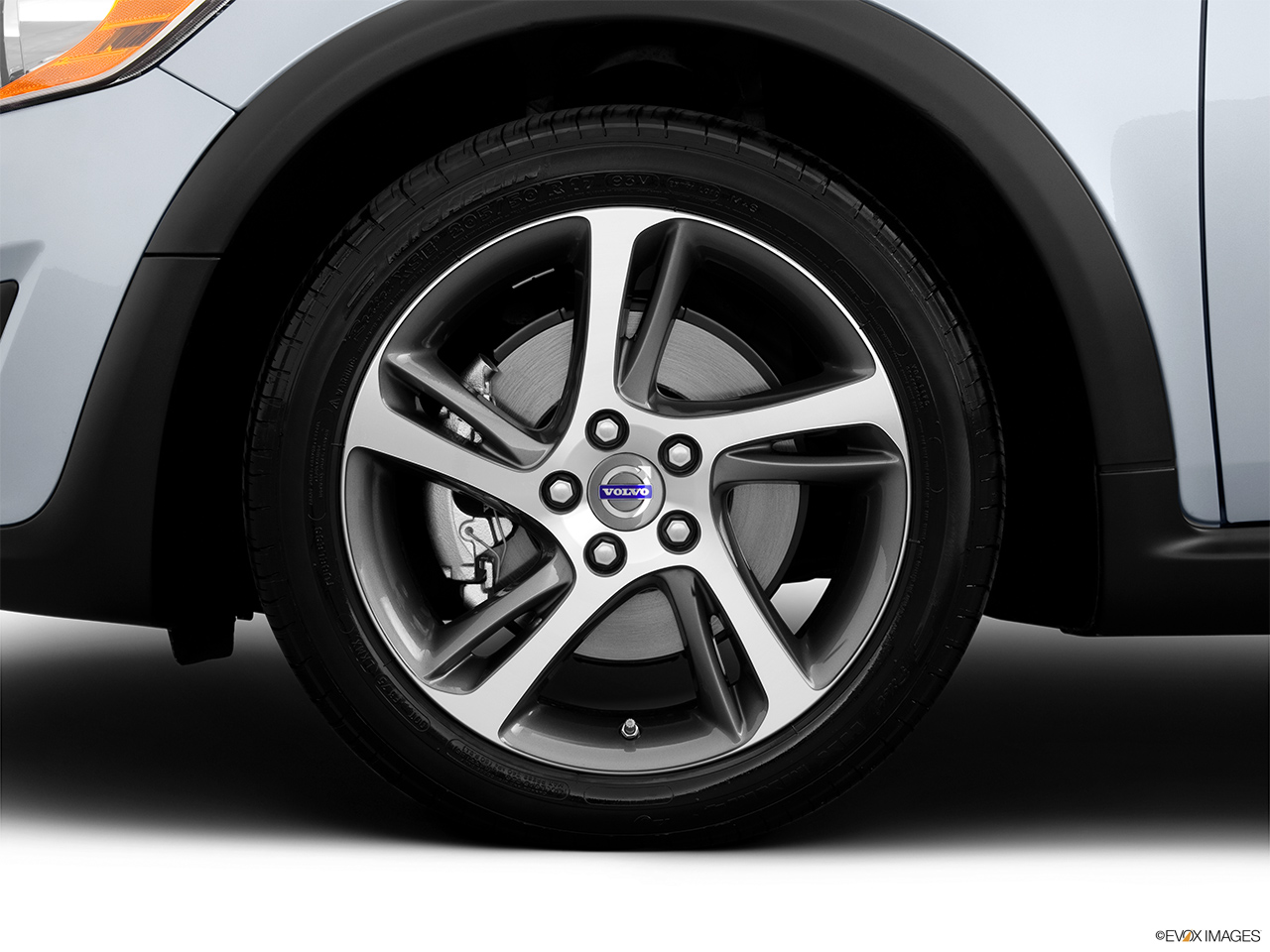 2013 Volvo C30 T5 Premier Plus Front Drivers side wheel at profile.