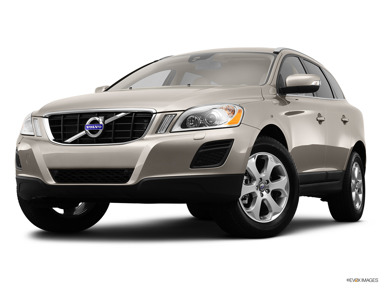 2013 Volvo XC60 3.2 FWD Premier Plus Front angle view, low wide perspective.