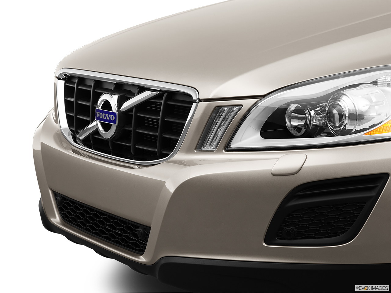 2013 Volvo XC60 3.2 FWD Premier Plus Close up of Grill.