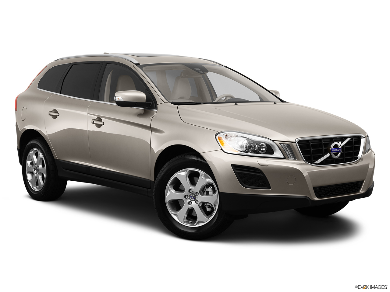 2013 Volvo XC60 3.2 FWD Premier Plus Front passenger 3/4 w/ wheels turned.
