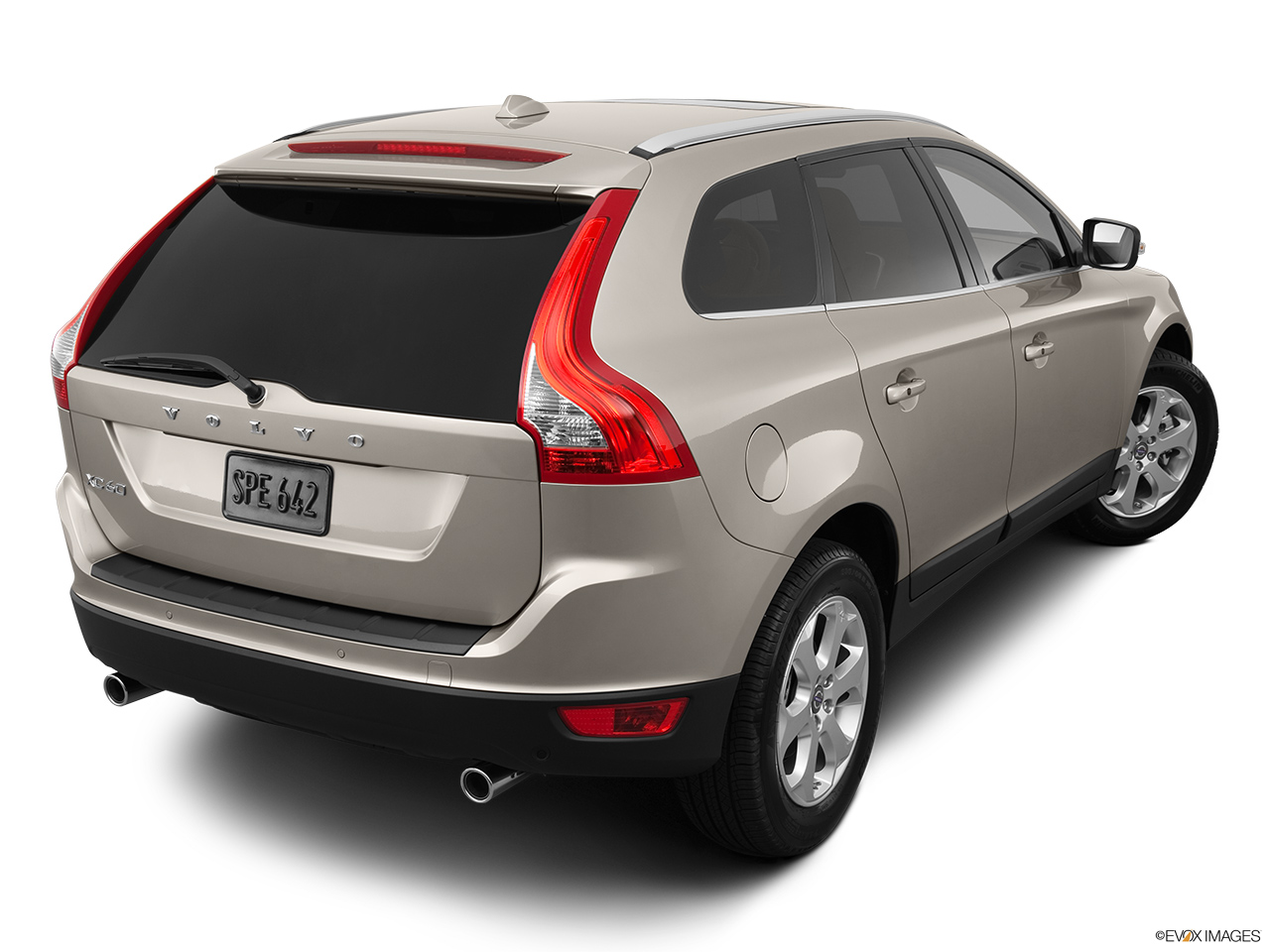 2013 Volvo XC60 3.2 FWD Premier Plus Rear 3/4 angle view.