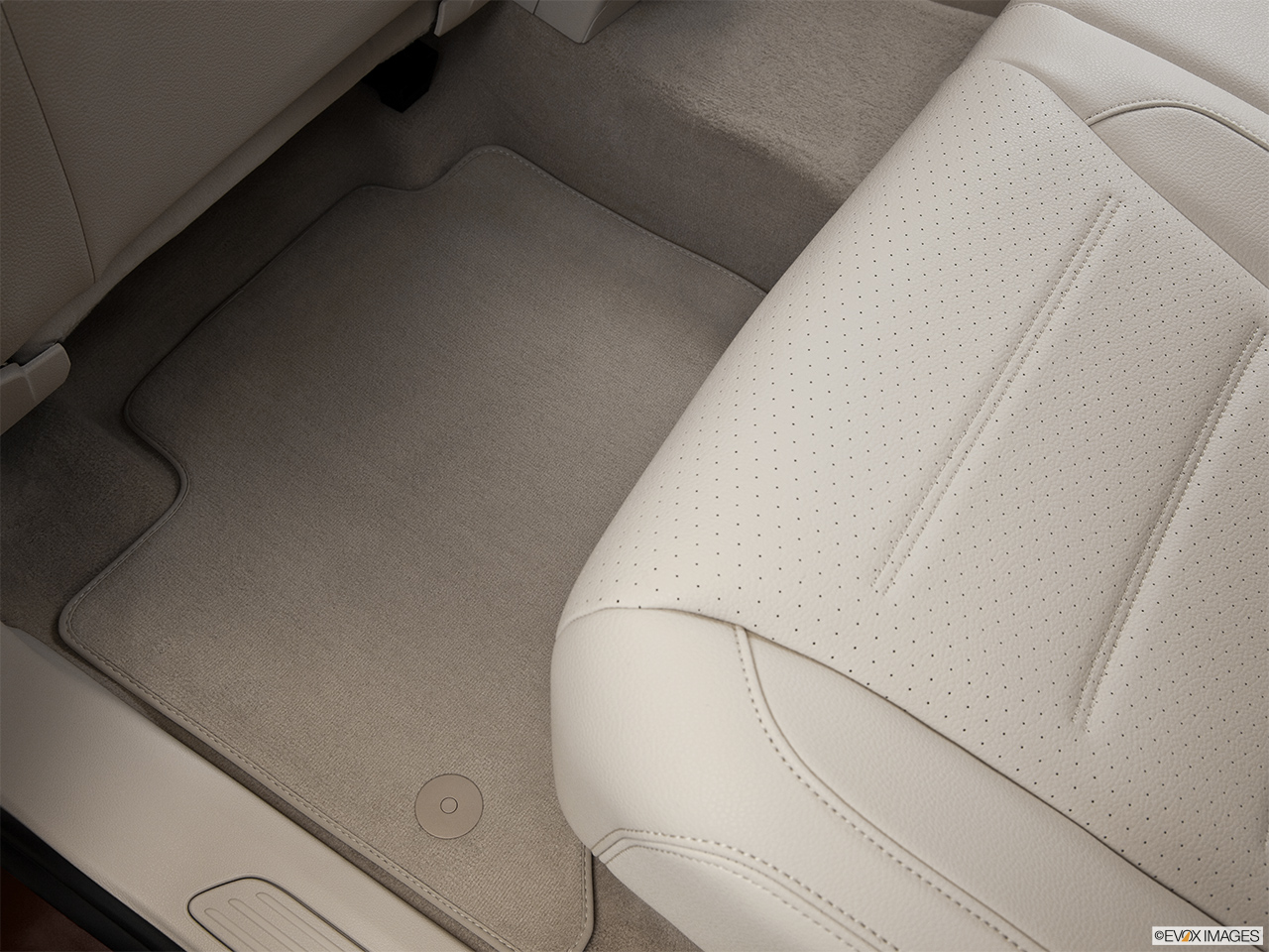 2014 Volkswagen Touareg 2 V6 Sport Rear driver's side floor mat. Mid-seat level from outside looking in.