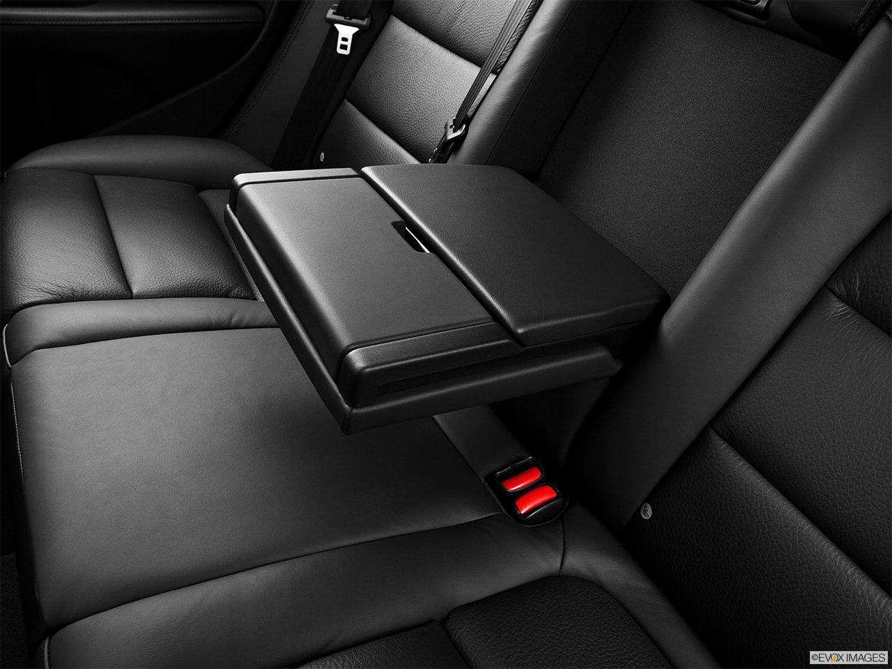 2013 Volvo XC70 T6 AWD Platinum Rear center console with closed lid from driver's side looking down.