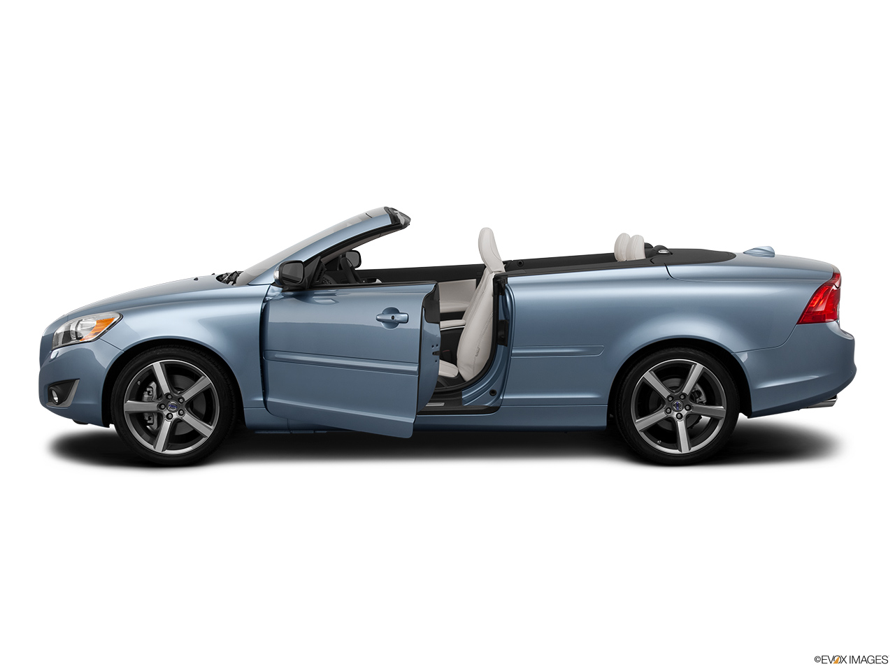 2013 Volvo C70 T5 Platinum Driver's side profile with drivers side door open.