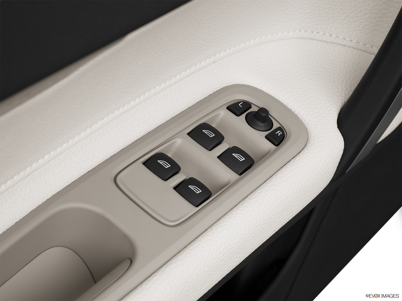 2013 Volvo C70 T5 Platinum Driver's side inside window controls.