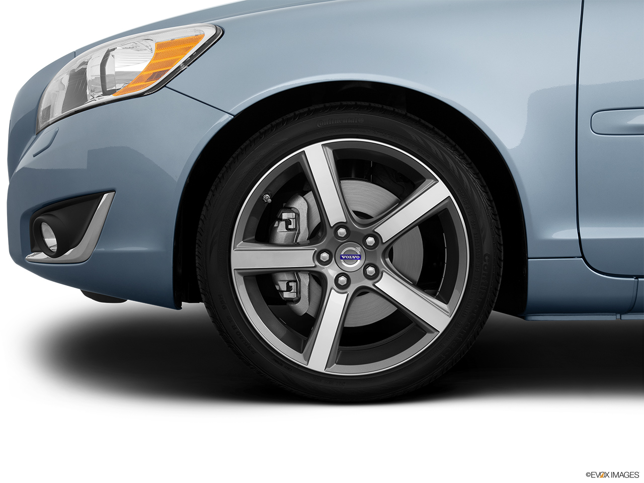 2013 Volvo C70 T5 Platinum Front Drivers side wheel at profile.
