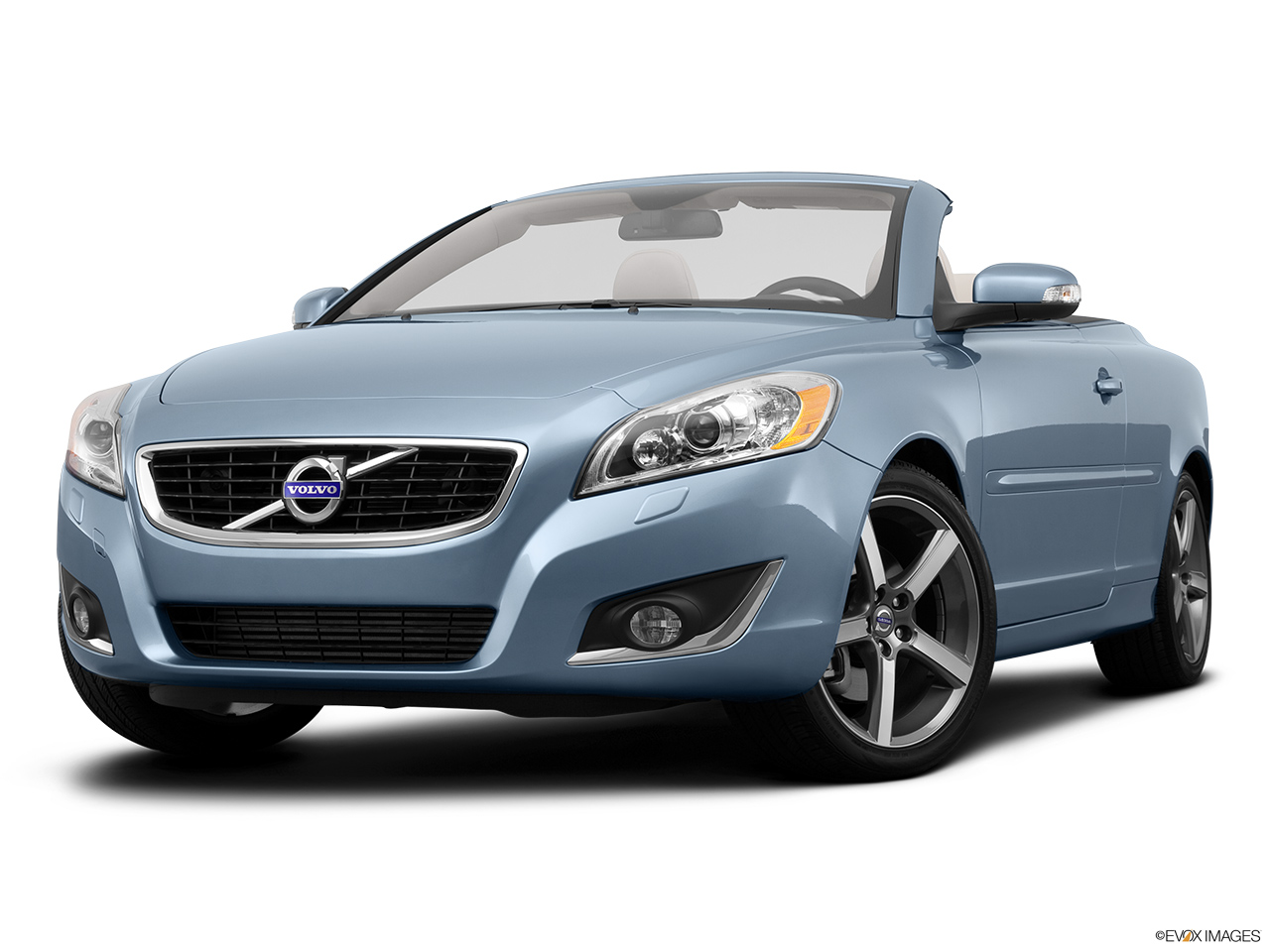 2013 Volvo C70 T5 Platinum Front angle view, low wide perspective.