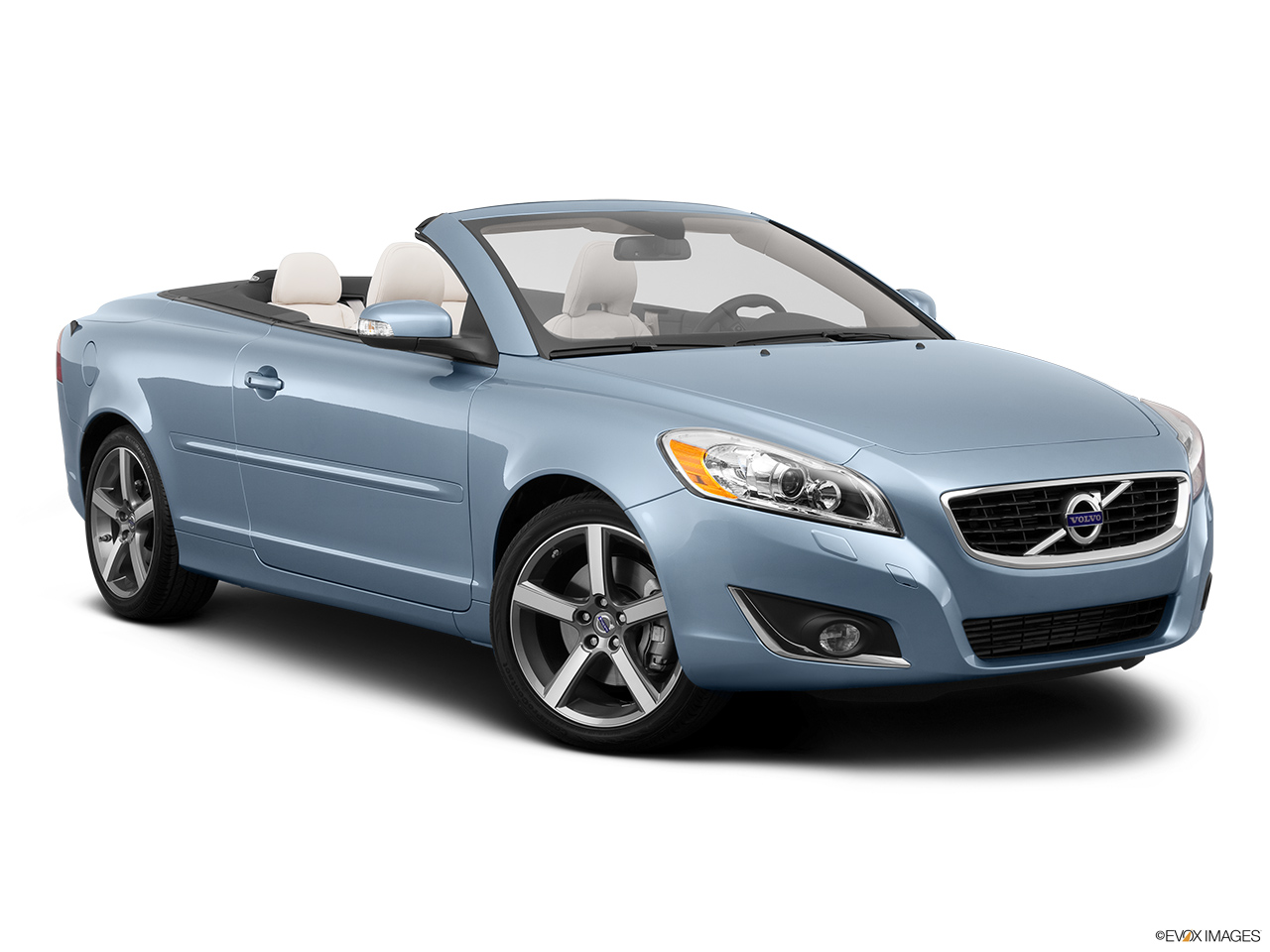 2013 Volvo C70 T5 Platinum Front passenger 3/4 w/ wheels turned.