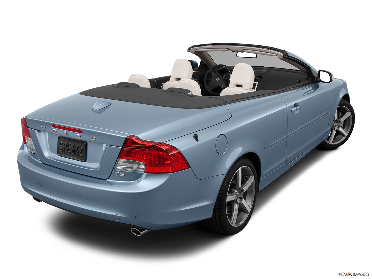 2013 Volvo C70 T5 Platinum Rear 3/4 angle view.