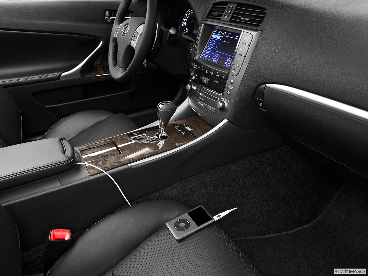 2013 Lexus IS 250C IS 250 C RWD Auxiliary jack props.
