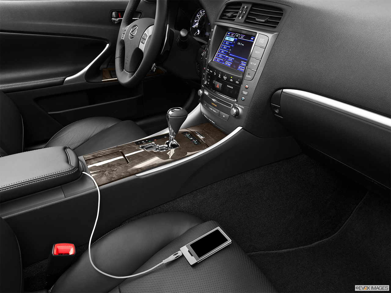 2013 Lexus IS 250C IS 250 C RWD Zune and auxiliary jack