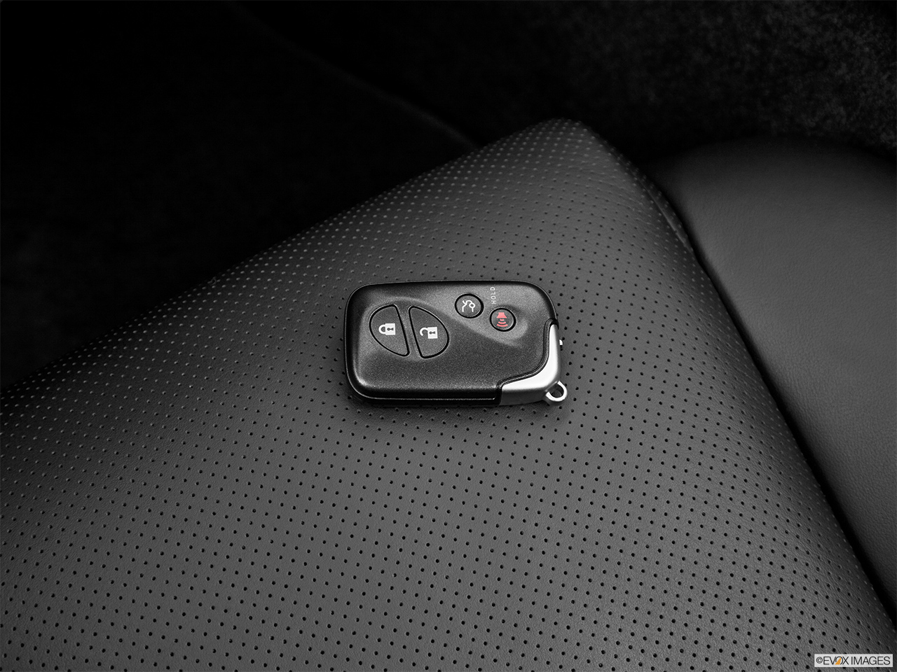 2013 Lexus IS 250C IS 250 C RWD Key fob on driver's seat.