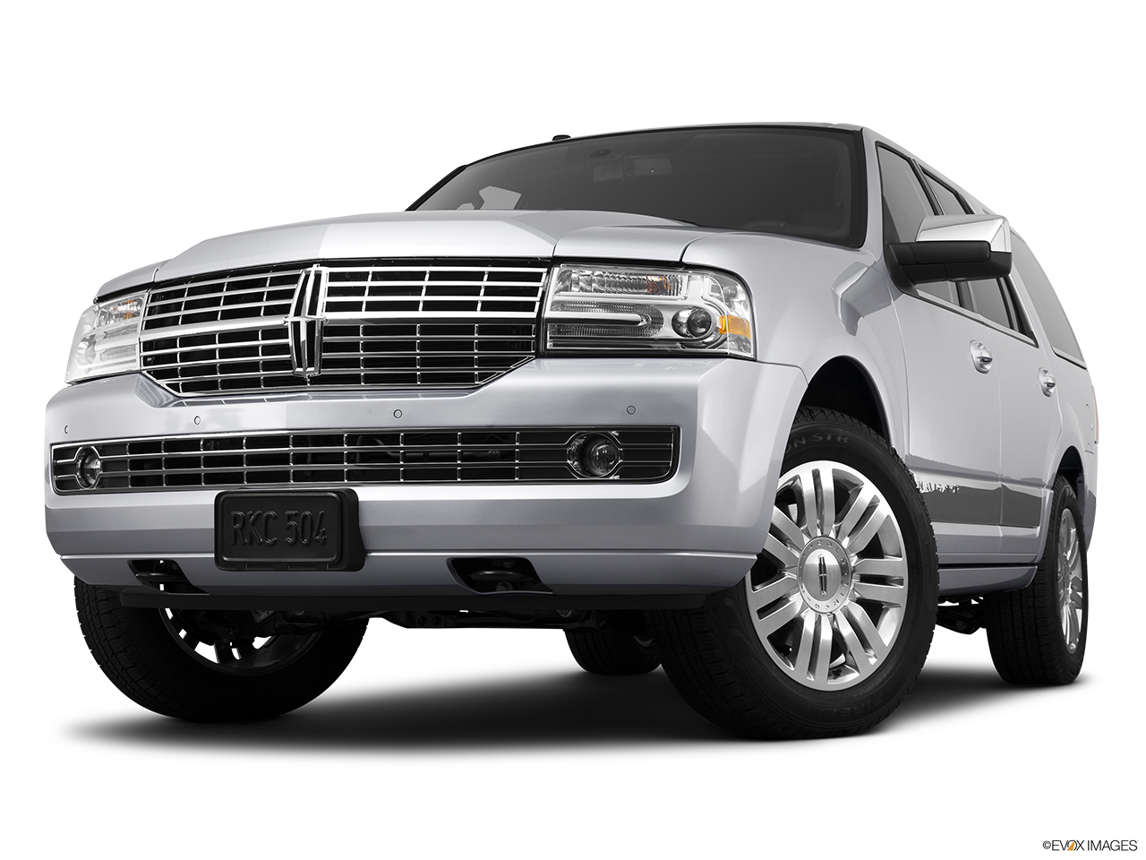 2013 Lincoln Navigator Base Front angle view, low wide perspective.