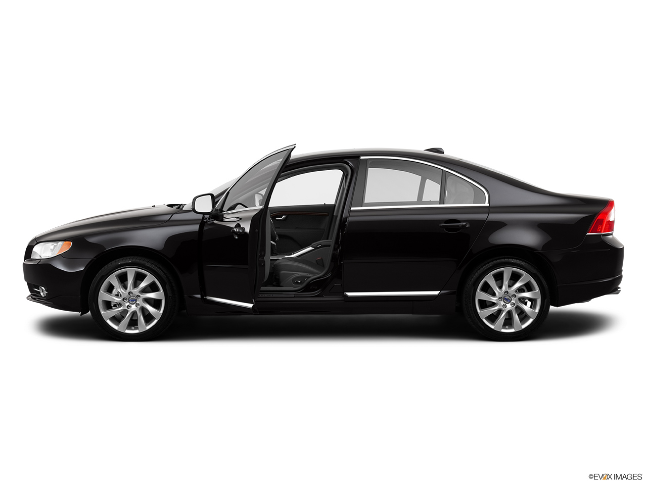 2013 Volvo S80 3.2 Platinum Driver's side profile with drivers side door open.