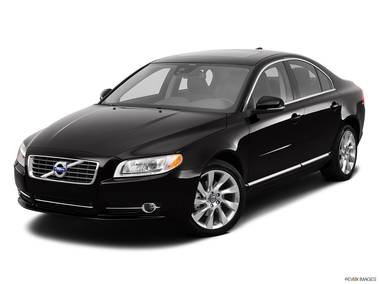 2013 Volvo S80 3.2 Platinum Front angle view.
