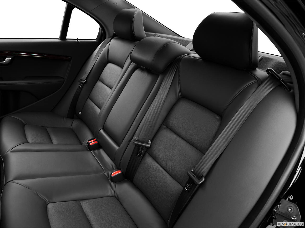 2013 Volvo S80 3.2 Platinum Rear seats from Drivers Side.