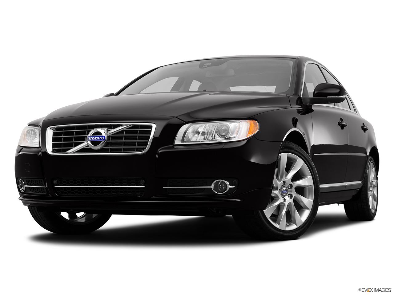2013 Volvo S80 3.2 Platinum Front angle view, low wide perspective.