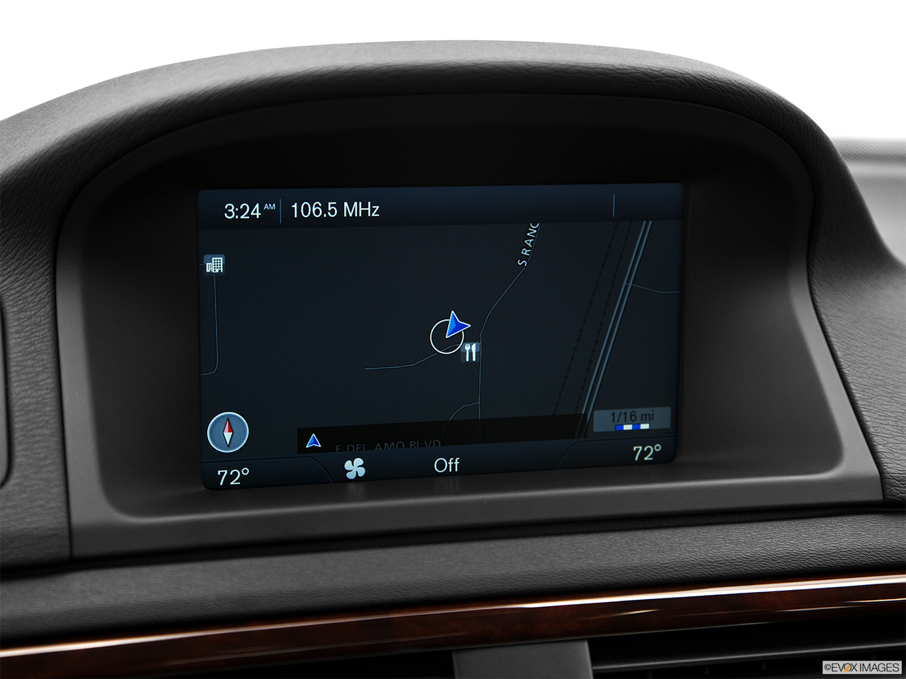 2013 Volvo S80 3.2 Platinum Driver position view of navigation system.