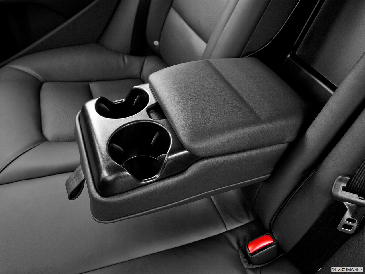 2013 Volvo S80 3.2 Platinum Rear center console with closed lid from driver's side looking down.
