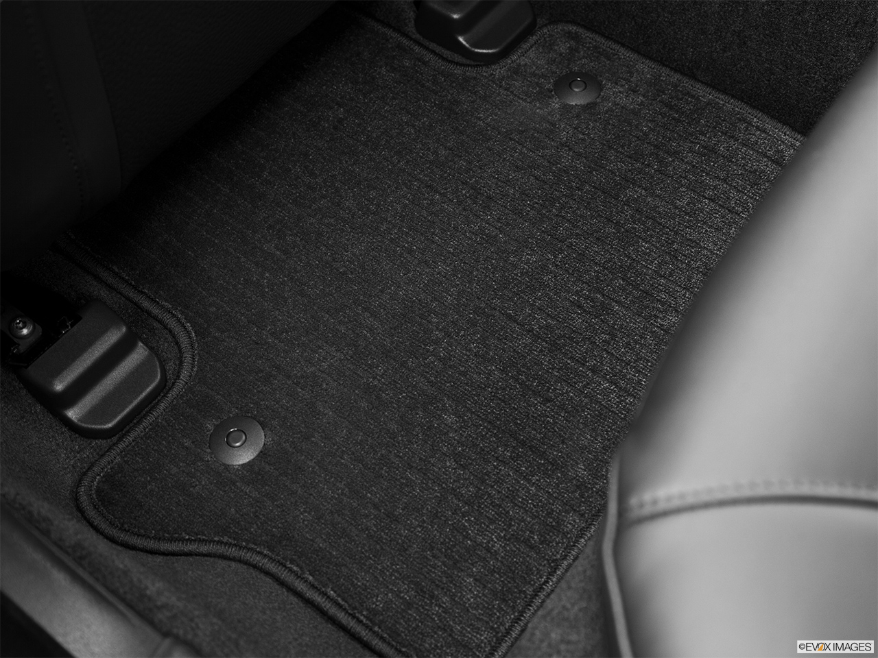 2013 Volvo S80 3.2 Platinum Rear driver's side floor mat. Mid-seat level from outside looking in.