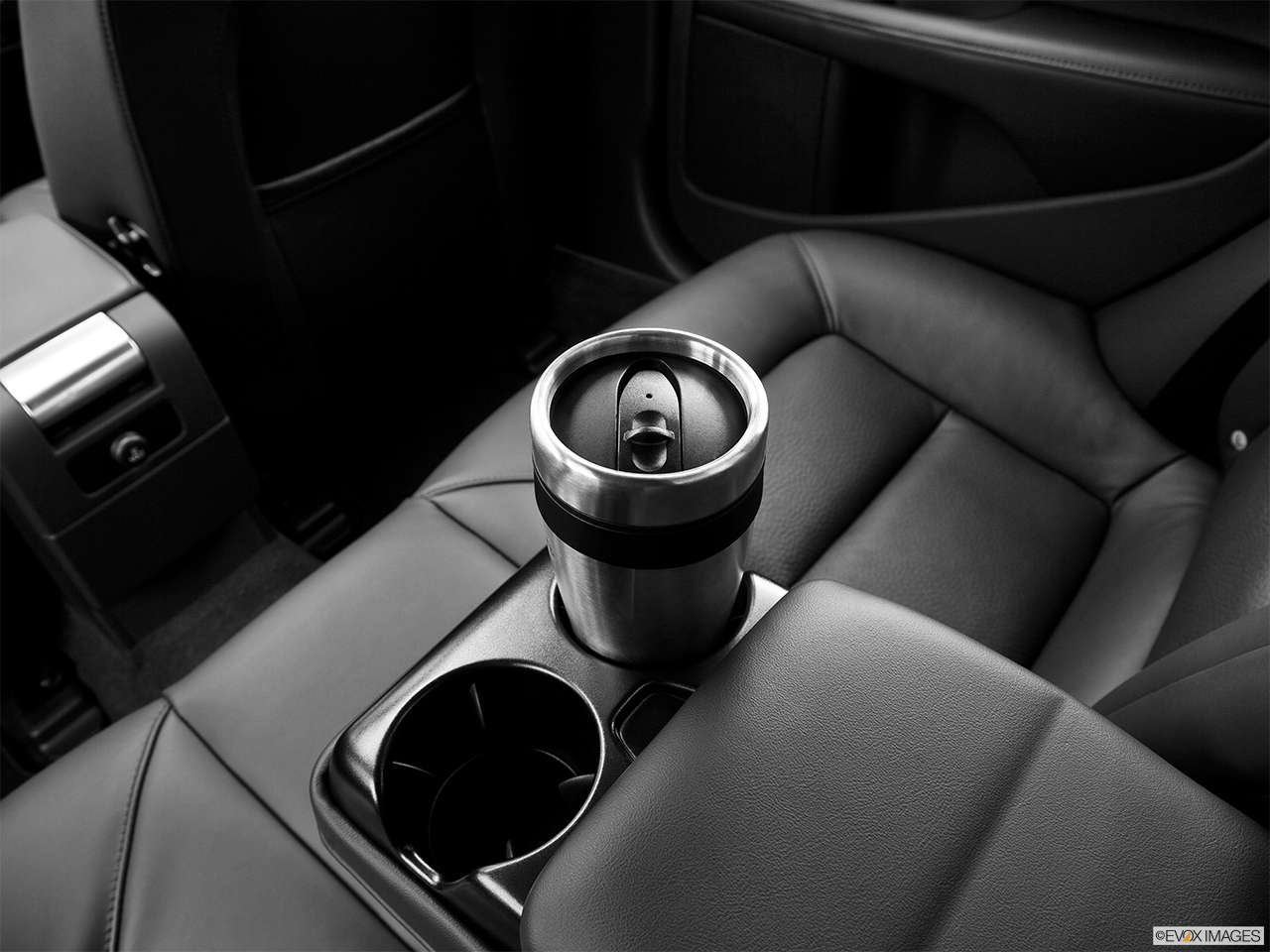 2013 Volvo S80 3.2 Platinum Third Row center cup holder with coffee prop.