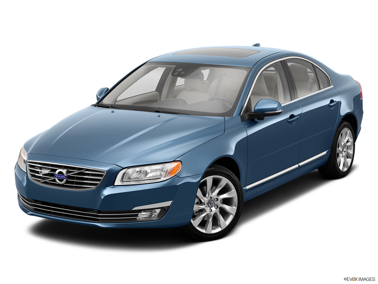 2014 Volvo S80 T6 AWD Platinum Front angle view.