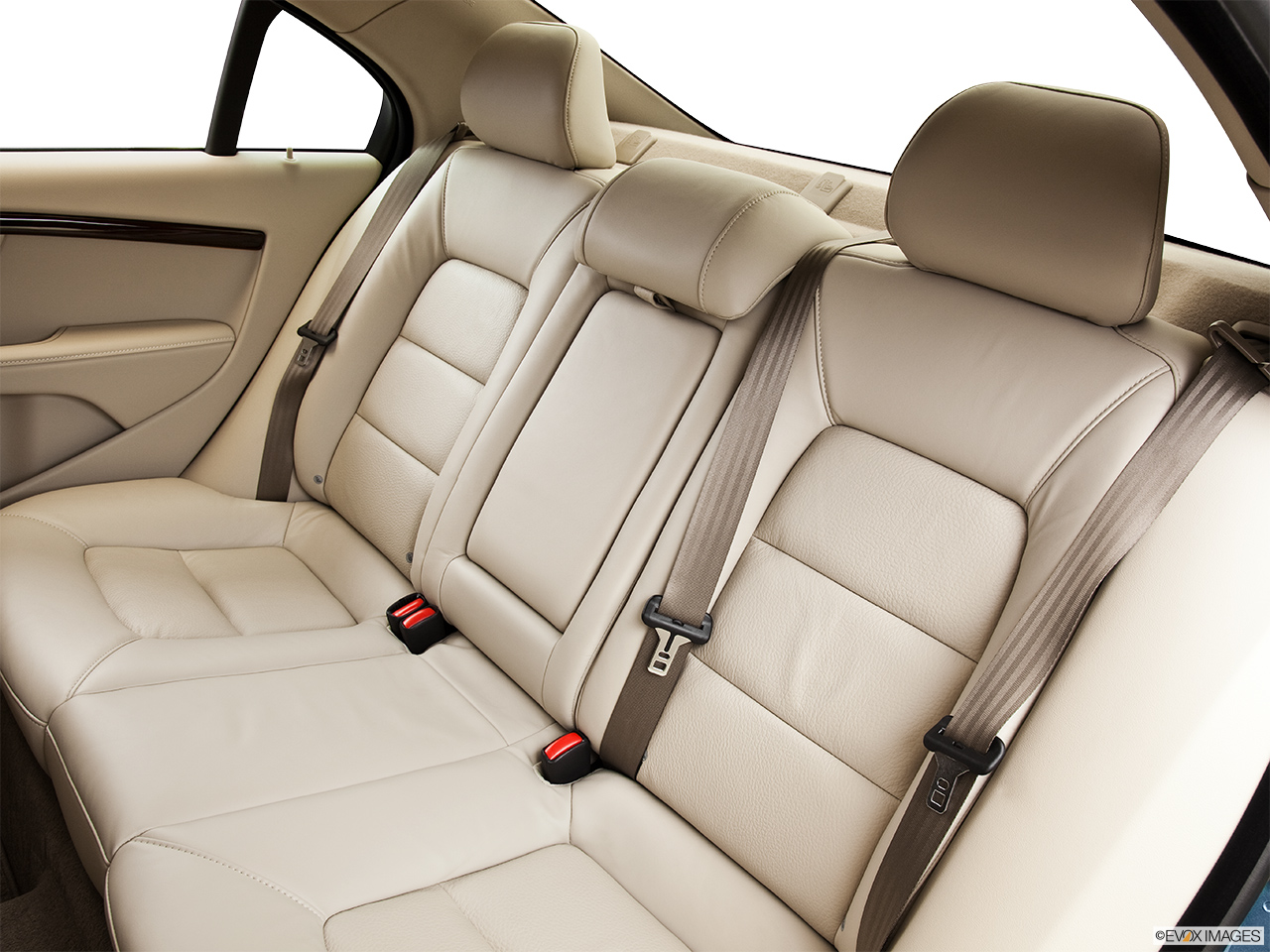 2014 Volvo S80 T6 AWD Platinum Rear seats from Drivers Side.