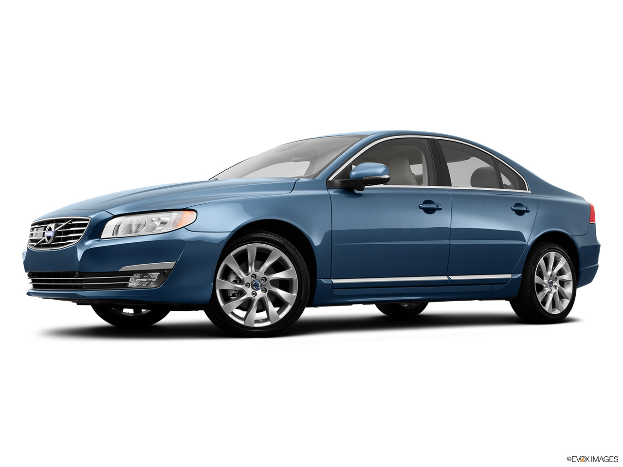 2014 Volvo S80 T6 AWD Platinum Low/wide front 5/8.