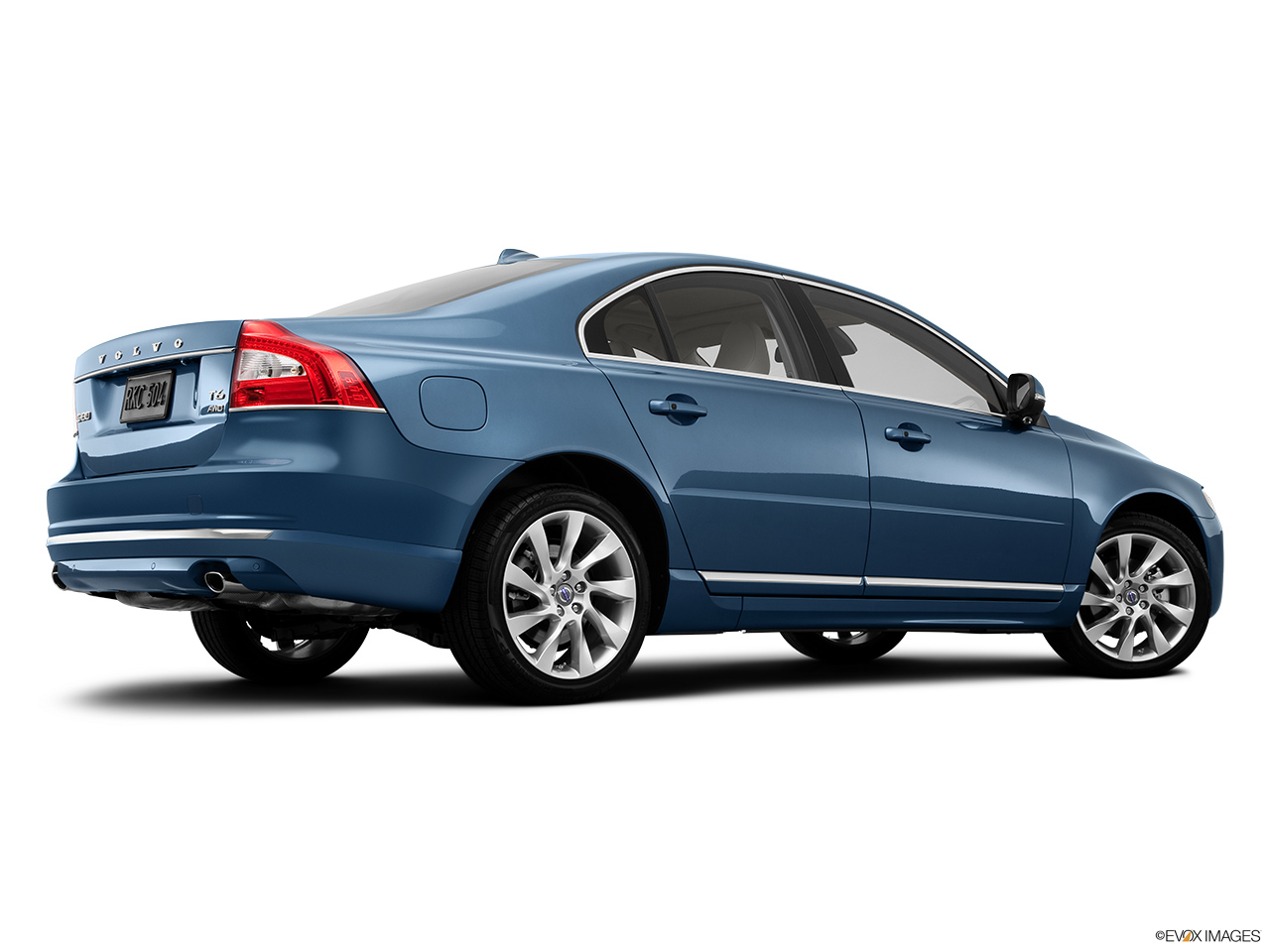 2014 Volvo S80 T6 AWD Platinum Low/wide rear 5/8.
