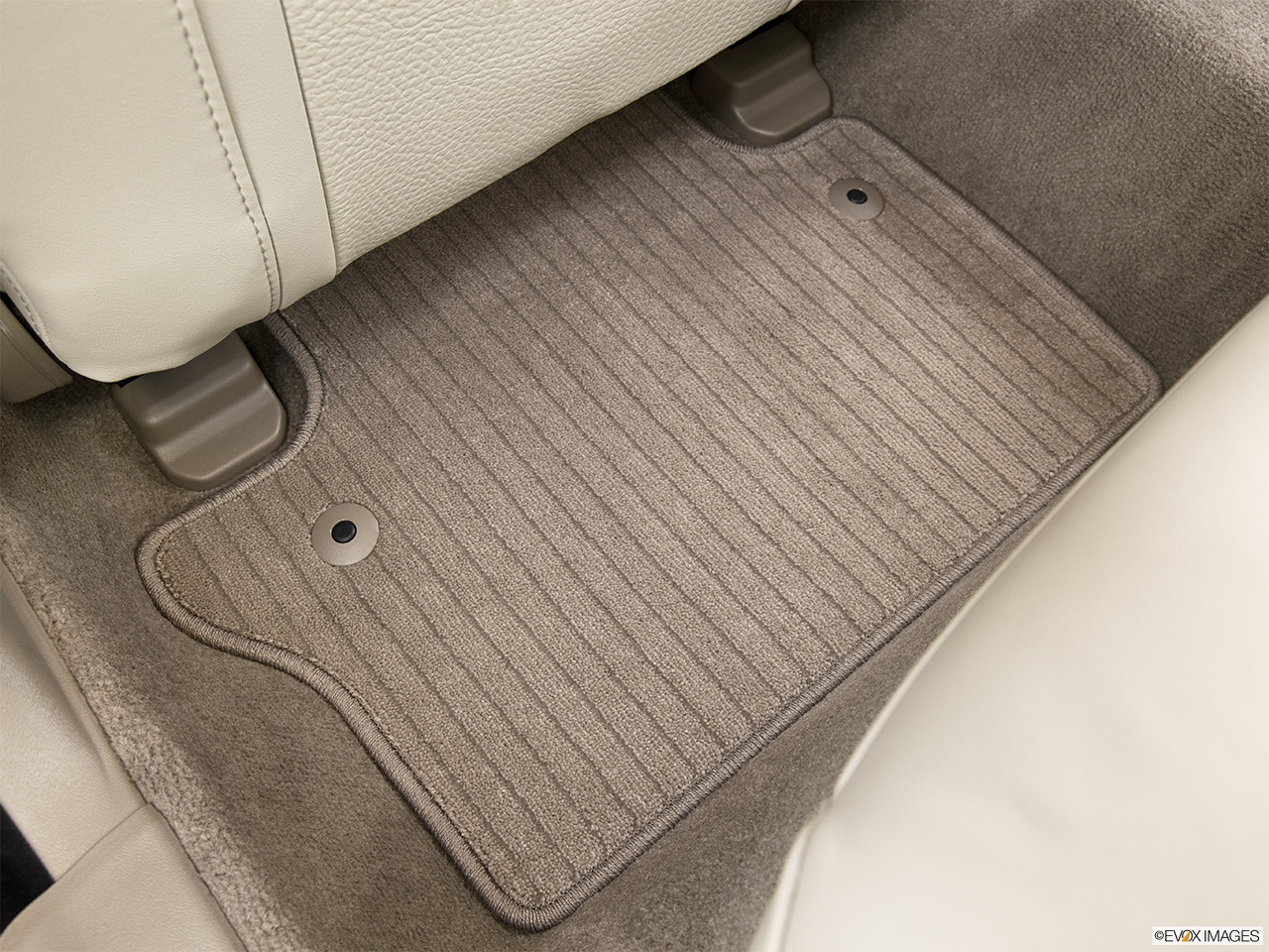 2014 Volvo S80 T6 AWD Platinum Rear driver's side floor mat. Mid-seat level from outside looking in.