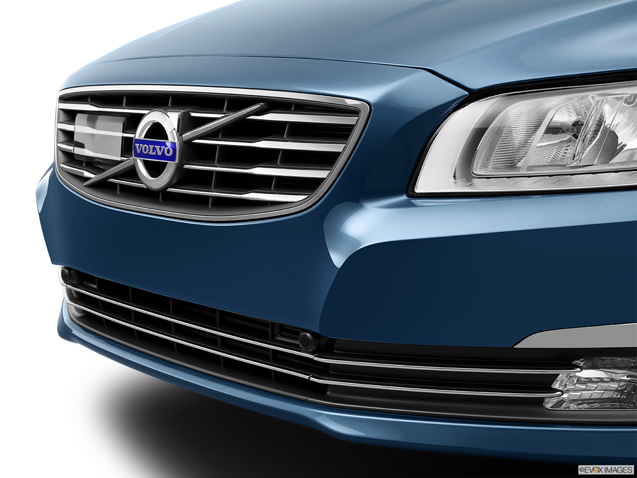 2014 Volvo S80 T6 AWD Platinum Close up of Grill.