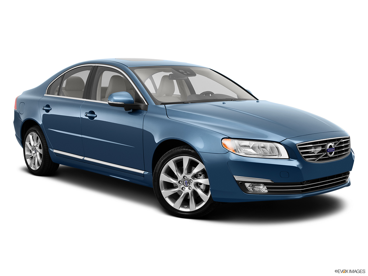 2014 Volvo S80 T6 AWD Platinum Front passenger 3/4 w/ wheels turned.