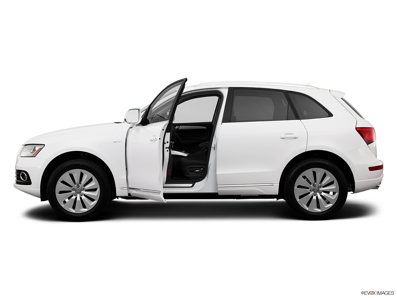 2014 Audi Q5 Hybrid 2.0 TFSI Prestige Driver's side profile with drivers side door open.