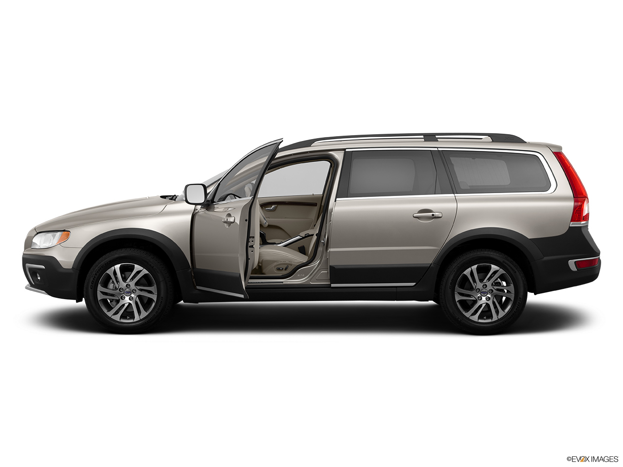 2014 Volvo XC70 3.2 AWD Premier Plus Driver's side profile with drivers side door open.