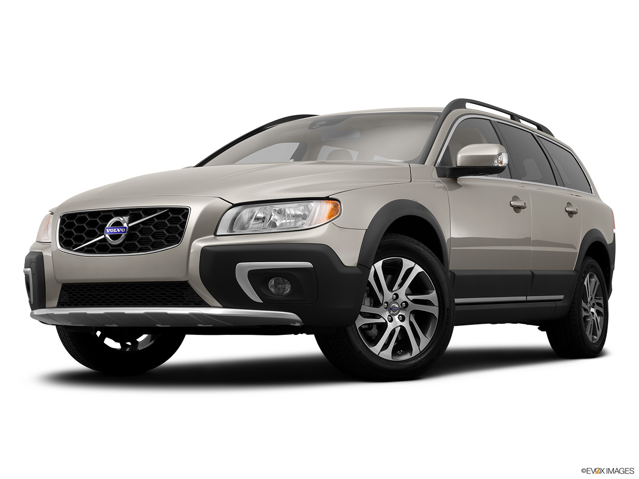 2014 Volvo XC70 3.2 AWD Premier Plus Front angle view, low wide perspective.