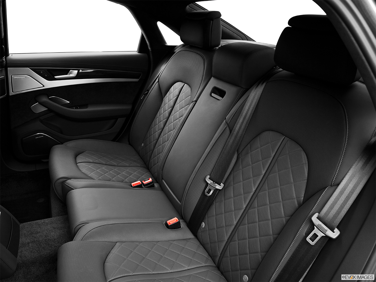 2014 Audi S8 4.0 TFSI Rear seats from Drivers Side.