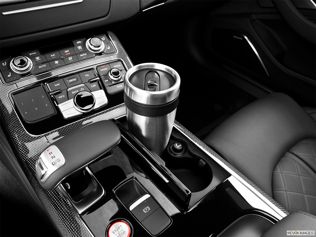 2014 Audi S8 4.0 TFSI Cup holder prop (primary).