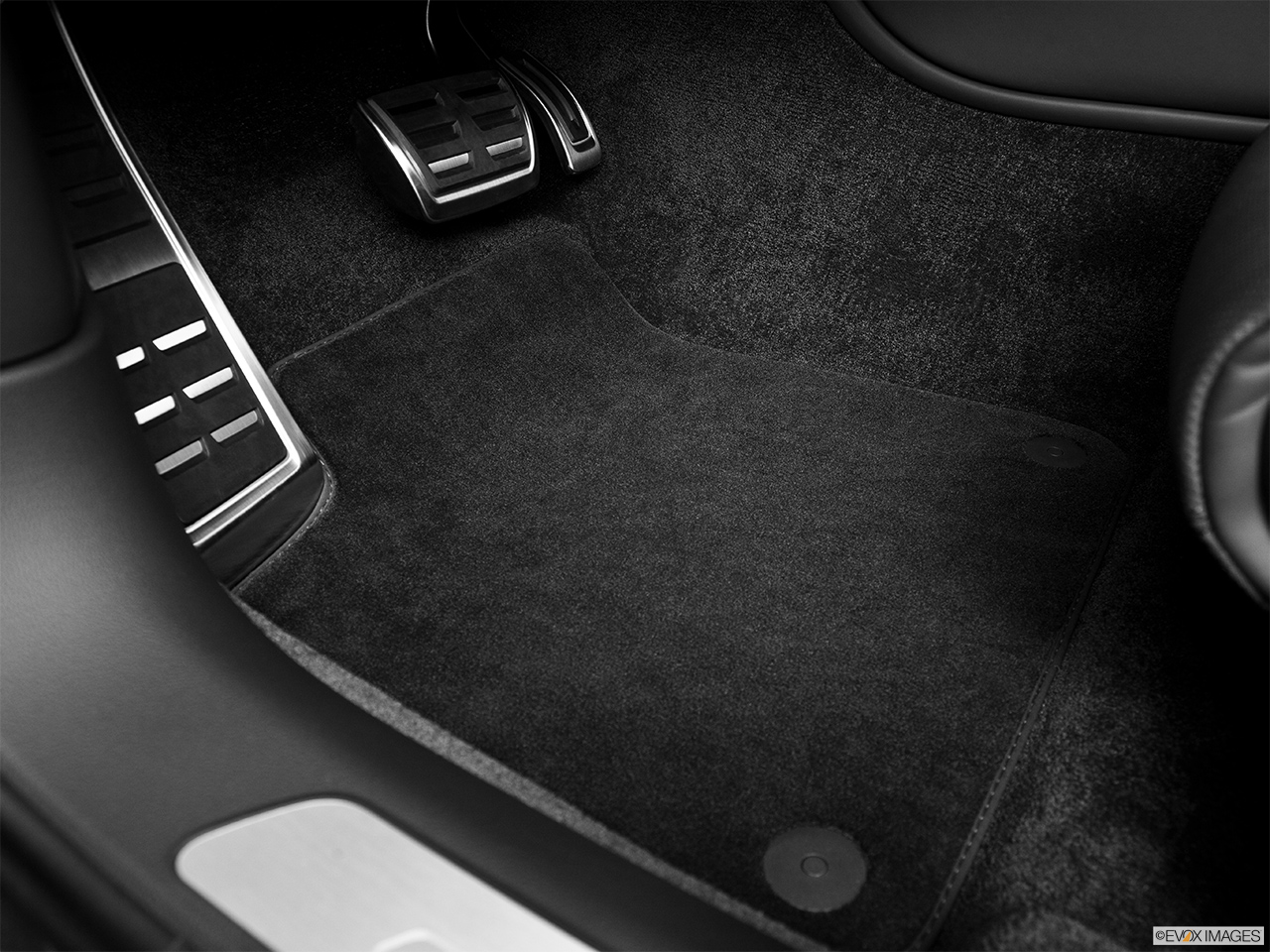 2014 Audi S8 4.0 TFSI Driver's floor mat and pedals. Mid-seat level from outside looking in.